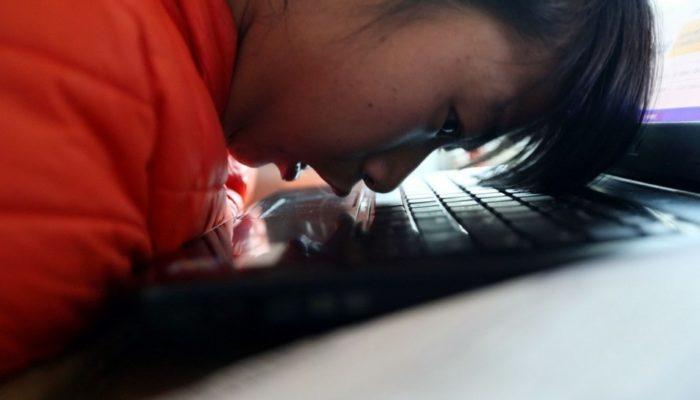 В Китае девочка-инвалид успешно ведёт свой бизнес
