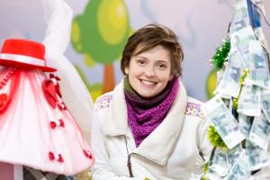 Организатор конкурса новогодних ёлок Алевтина Ефремова. Фото: Сергей Лучезарный/Великая Эпоха