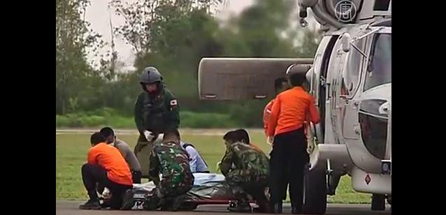 Из Яванского моря извлекли 46 тел, поиски продолжаются (видео)