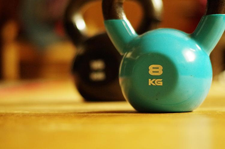 гиря, фитнес, упражнения, свинги, тренировки