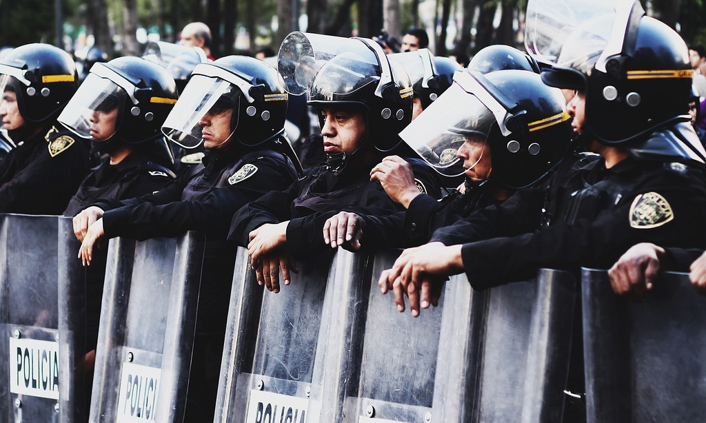 В Мексике произошло столкновение учителей и полиции