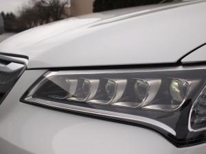 2015_Acura_TLX_headlight-600x450