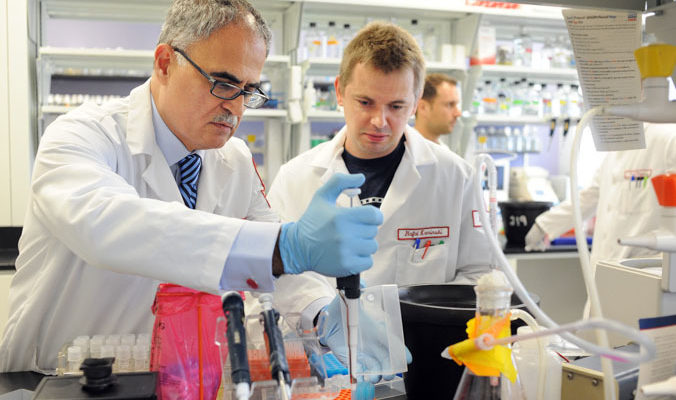 Премии в 2 млн рублей получили 136 учёных РФ