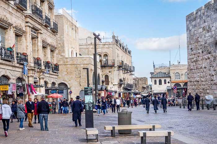 Израильские власти предложили африканским мигрантам покинуть страну