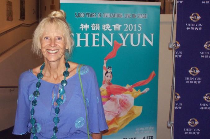 Кит Шелл посетила Shen Yun Performing Arts в Центре искусств Голд-Коста 1 февраля 2015 г. Фото: Laurel Andress/Epoch Times