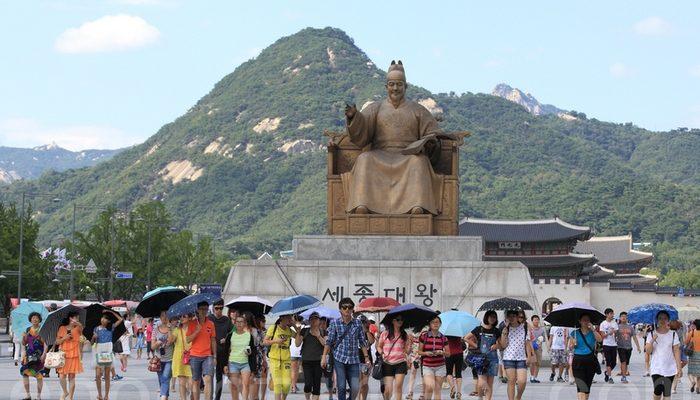 В Южной Корее китайские гиды унижают корейцев