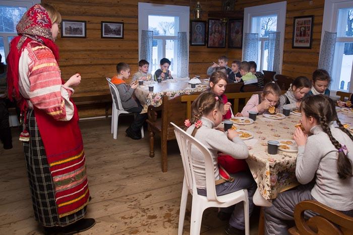 Работники культуры получат 1 млн рублей за переезд в село