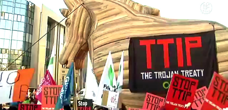 Европейцы не хотят торгового соглашения с США. Скриншот видео