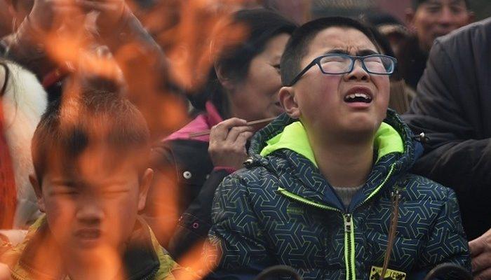 На Новый год китайцы устремились в храмы
