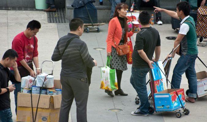 В 2014 году 9200 человек хотели вывезти из Гонконга 90 тонн детского питания