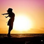 закат, девушка, счастье, море, энергия, успех, свобода