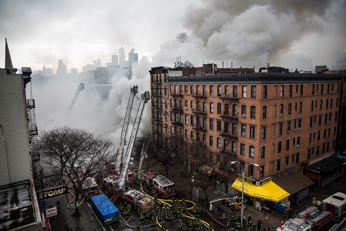 Пожар на Манхэттене, Нью-Йорк, 27 марта, 2015 год. Фото: Andrew Burton/Getty Images