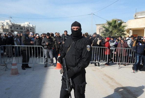 В Тунисе 8 туристов погибло в результате атаки боевиков