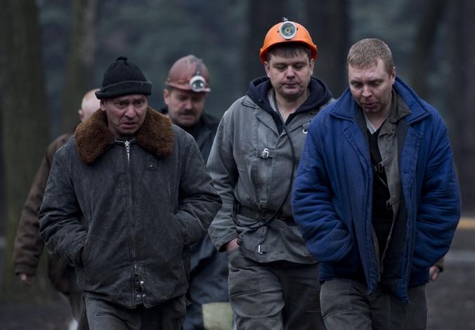 Шахтёры, участвующие в спасении горняков после взрыва на шахте имени Засядько, 4 марта, 2015 год. Фото: JOHN MACDOUGALL/AFP/Getty Images