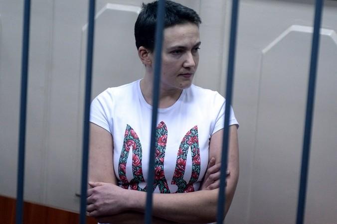 Украинская лётчица Надежда Савченко под арестом в РФ. Фото: VASILY MAXIMOV/AFP/Getty Images