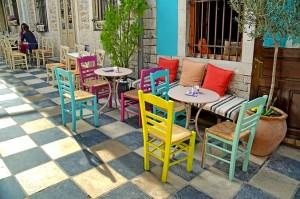 Cafe_shutterstock_185203163_WEBONLY