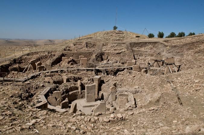 Гёбекли-Тепе считается древнейшим культовым местом в мире. Оно представляет собой каменные мегалиты, которые на 6000 лет древнее Стоунхенджа. Фото: Wikimedia Commons