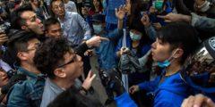 Наплыв китайских перекупщиков вызвал в Гонконге беспорядки