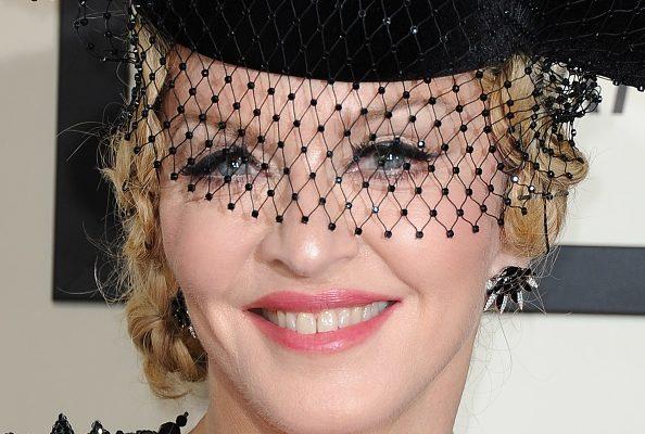 В Париже билеты на декабрьское шоу Мадонны раскупили мгновенно