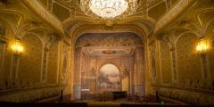 В Париже из музея Фонтенбло похитили 15 ценнейших экспонатов