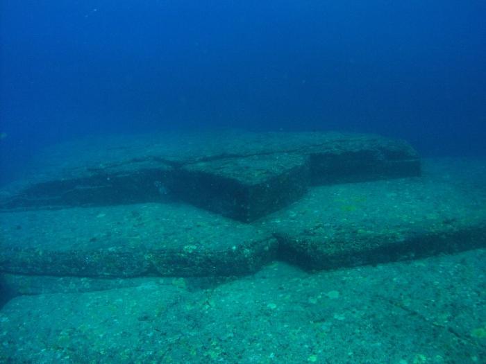 Подводная структура под названием «Черепаха» у побережья островов Йонагуни, архипелаг Рюкю