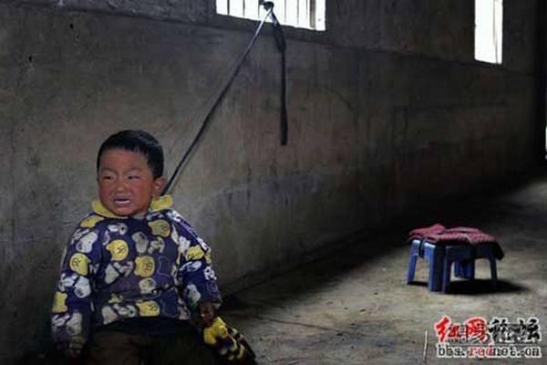 Больше половины детей в Китае подвергаются насилию в семье. Фото с secretchina.com