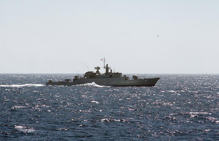 Иран направил два корабля к берегам Йемена