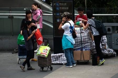 Китайские власти ограничат въезд в Гонконг