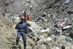 Поисковые работы по обнаружению останков пассажиров лайнера А320, разбившегося во французских Альпах. Фото: Pellier MI DICOM/Ministere de l'Interieur/Getty Images