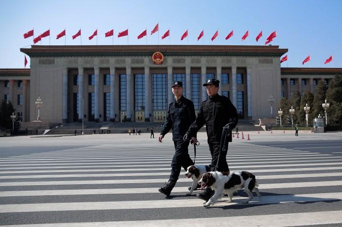 китайские полицейские
