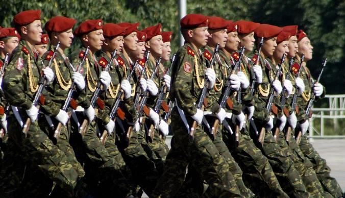 Парад Победв в Киргизии. Фото: VYACHESLAV OSELEDKO/AFP/Getty Images