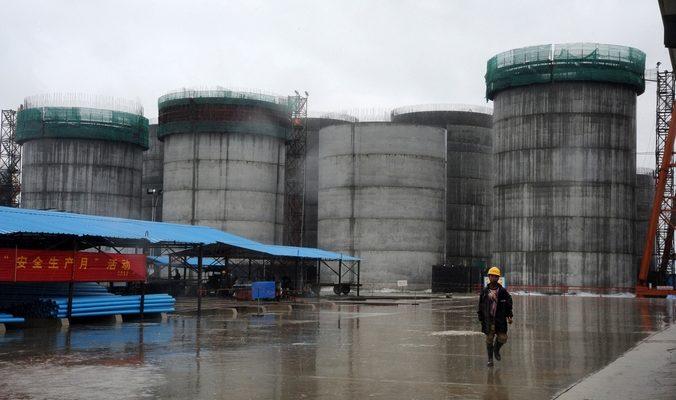 Аналитик: Снятие с Ирана санкций может обвалить цены на нефть