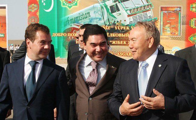 Казахстан предложил России совместно построить газопровод в Китай