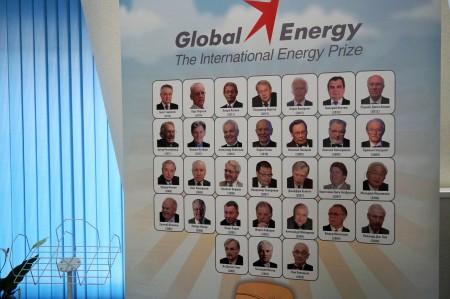 Победители Глобальной премии в области энергетики прошлых лет. Фото: Ульяна Ким/Великая Эпоха