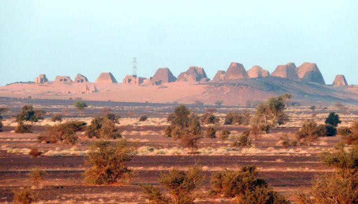 Судан опережает Египет по количеству пирамид (видео)