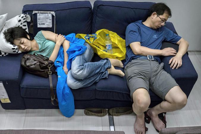 Пекинский филиал IKEA запретил посетителям спать в магазине