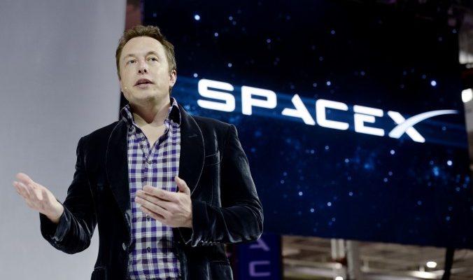 SpaceX в 2018 году отправит космический корабль на Марс