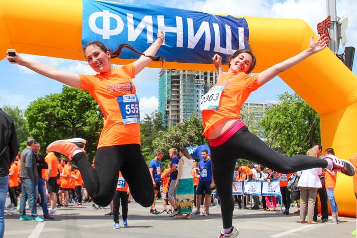 Забег с «Высшей лигой» на 5000 метров в Краснодаре. После финиша. Фото: Александр Трушников/Великая Эпоха