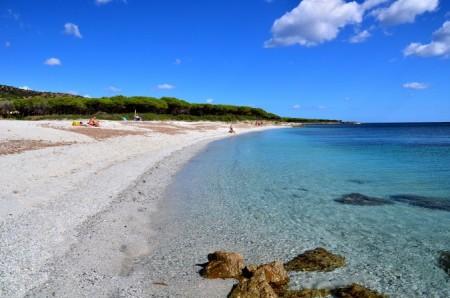 Сардиния знаменита прозрачной морской водой и девственными пляжами. Фото: Giovanni Manca