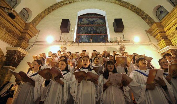 Руководство компартии Китая волнуется: чиновники ударились в религию