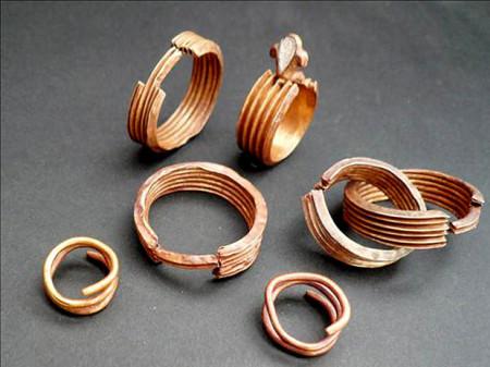 Древние украшения для жениха и невесты. Фото: kroshechka.com