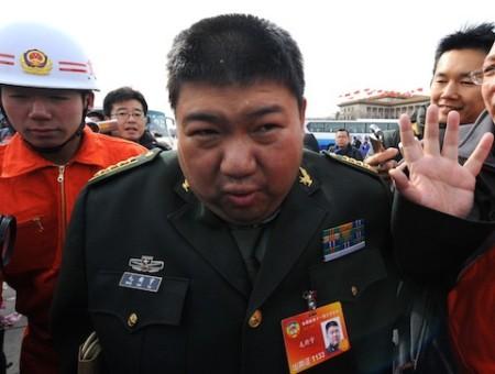 Мао Синьюй