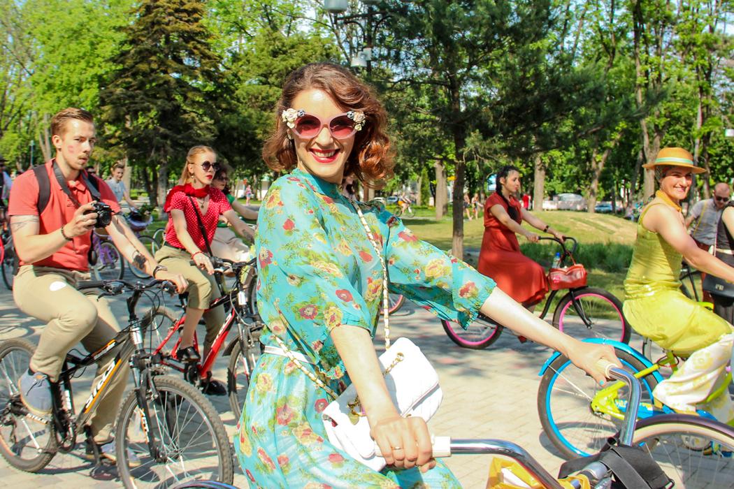 Весенняя велопрогулка в стиле ретро в Краснодаре. Фото: Александр Трушников/Великая Эпоха