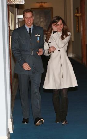 Кэтрин Миддлтон и принц Уильям после его  выпускного в Королевской военной академии, 11 апреля 2008 г. Фото: Michael Dunlea/AFP/Getty Images