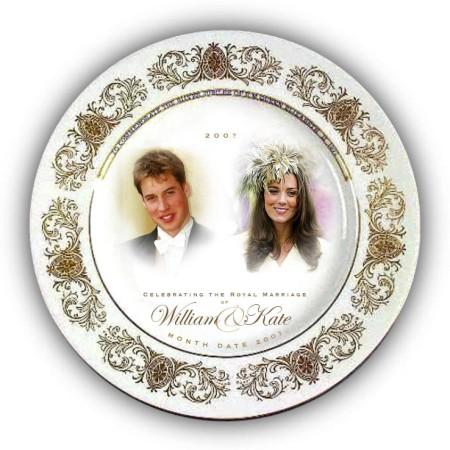 Сувенирная тарелка в честь помолвки принца Уильяма. Фото: Photo by Woolworths via Getty Images