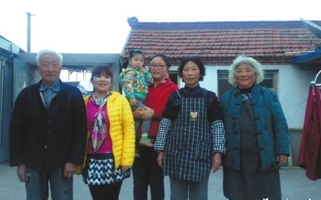 Одна молодая женщина заботится о восьми пожилых родственниках: последствия китайской политики одного ребёнка