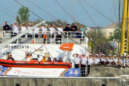 Барк «Крузенштерн» ушёл из Севастополя. Фото: Алла Лавриненко/Великая Эпоха