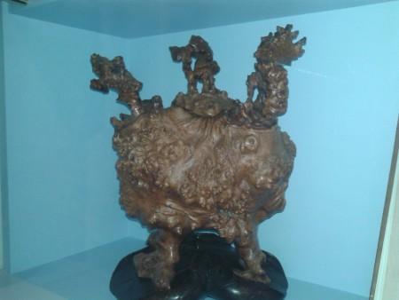 Китайская скульптура из капа южного дерева. Фото: Татьяна Петрова/Великая Эпоха