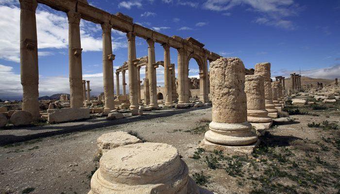 Боевики ИГИЛ взорвали памятники архитектуры в Пальмире (видео)