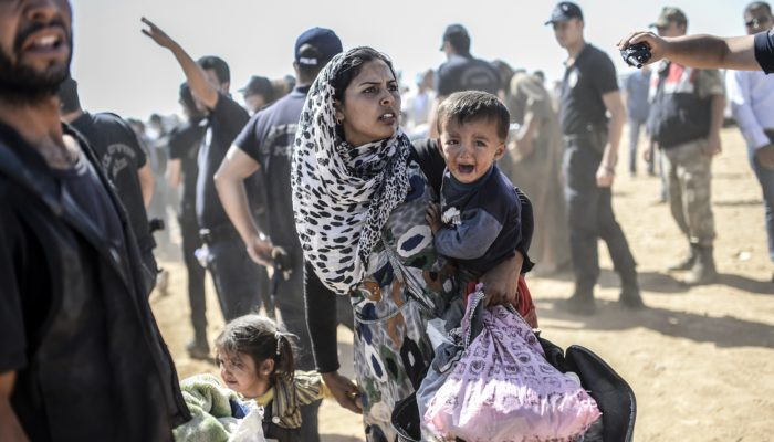 Сирийские беженцы возвращаются из Турции домой (видео)